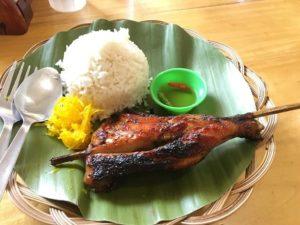 安いレストランの食事1