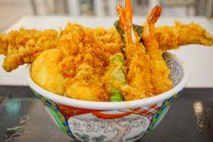 なかなか地方都市ではお目にかかれない日本式天丼