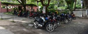 自分の車やバイクを駐車