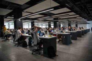 海外で働く:仕事に必要な英語力について