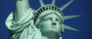 セミリタイア向け:投資先がアメリカ株だとゴミに?
